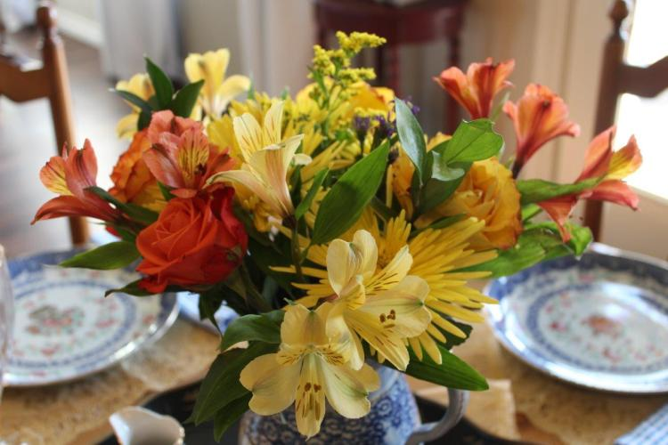 Belle Bleu Interiors A Cheerful and Bright Winter's Table 10