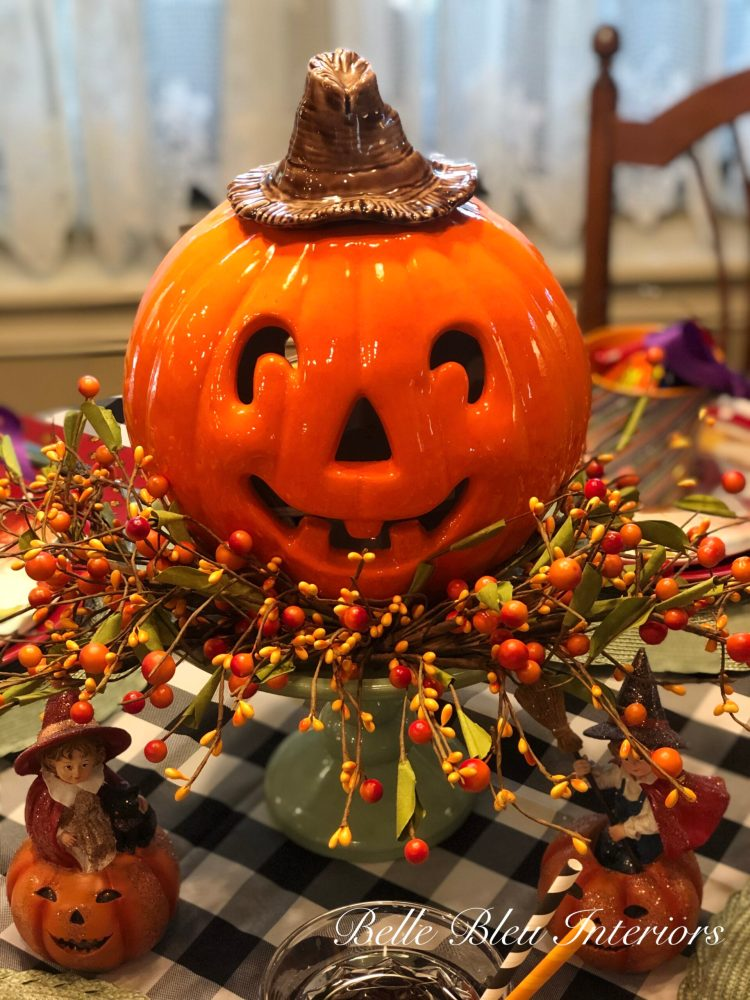 A Happy Halloween Tablescape