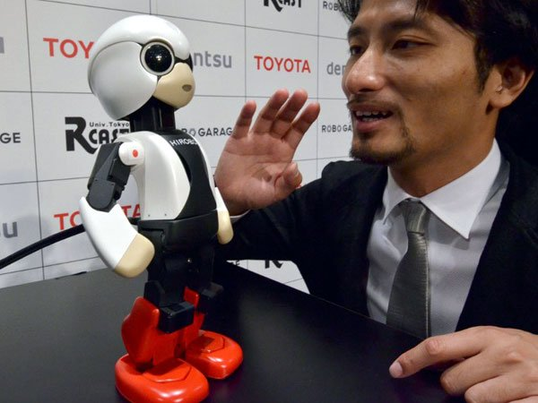Kirobo Japan launches first talking robot into space