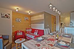 Holiday rental accommodation BelleVue in centre les Carroz