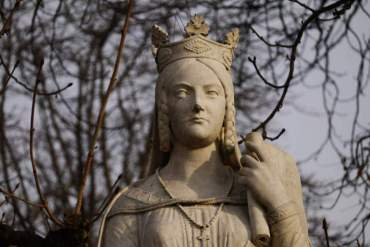Bathilde : l'esclave devenue reine des Francs qui abolit l'esclavage