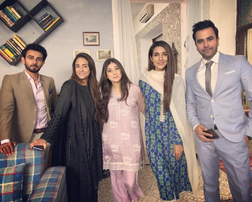 Rabab Hashim with KamZarf's Star Cast