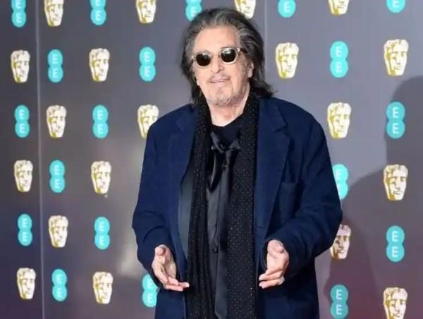 Конфуз на кинопремии BAFTA-2020: 79-летний Аль Пачино упал ...