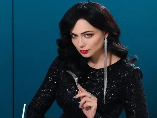"""Настасья Самбурская показала фото с """"беременным"""" животом"""