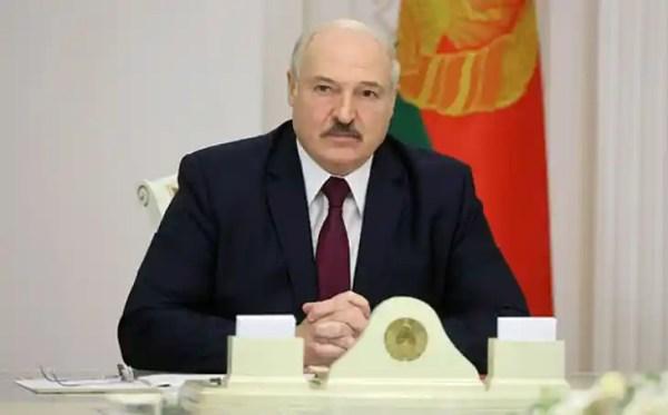 Лукашенко поздравил Санду с победой на выборах президента ...
