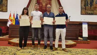 Photo of Tres alumnos de Los Sauces reciben los premios extraordinarios de EBAU