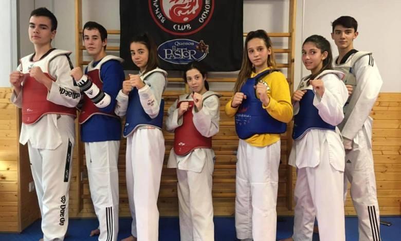 Photo of Quesos el Pastor Club Taekwondo Benavente regresa del Open de Francia con dos bronces