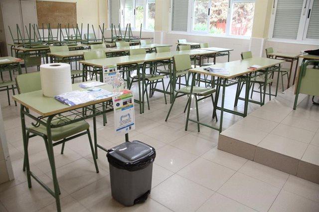 Photo of Padres, docentes, alumnos y patronales, preocupados por la incertidumbre y cercanía de la 'vuelta al cole'