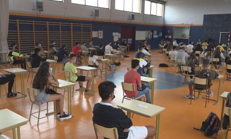 Photo of Los alumnos de secundaria vuelven a las aulas cumpliendo las medidas de seguridad