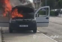 Photo of Peligroso incendio de una furgoneta en la Avenida Luis Morán