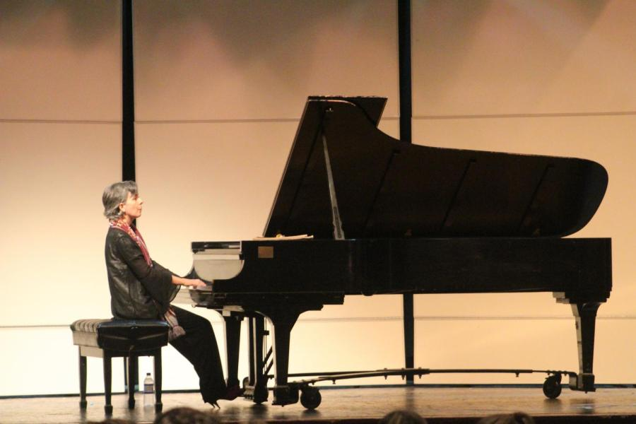 Bardin+performs+classical+music+for+the+Elementary+and+Middle+Divisions.