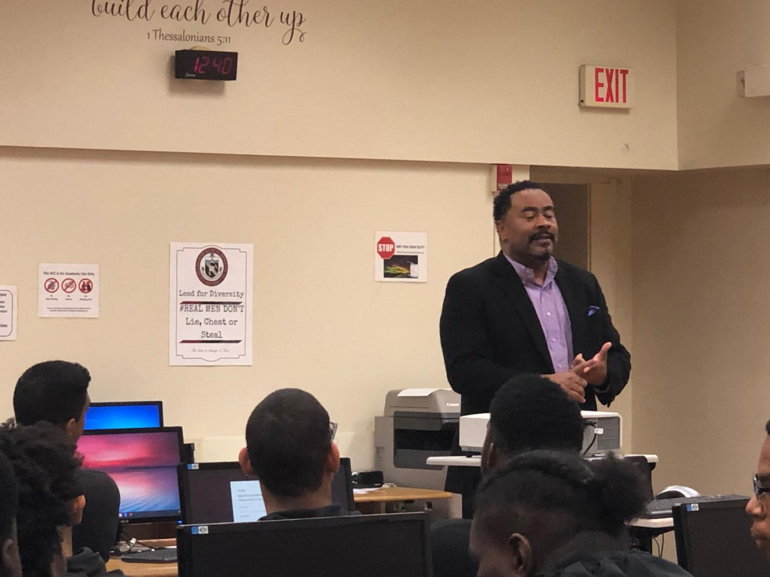 Kevin Booker organizes a meeting with upperclassmen to talk about Morehouse College