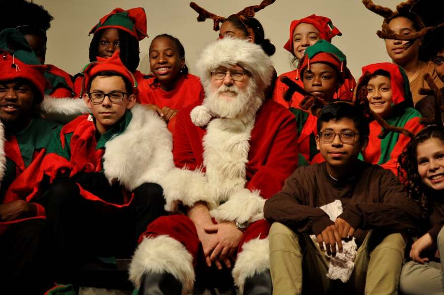 Santa+and+the+Elves+of+St.+Benedict%27s+visited+Convo+to+bring+music+and+good+wishes