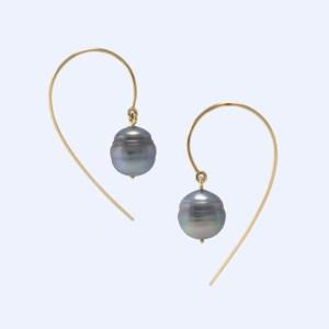 Boucles d'Oreilles Virgule C Perles de Tahiti Cerclées