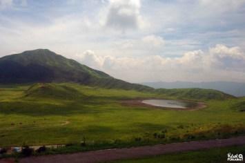 La plaine Kusasenri vue depuis le bus, Mont Aso, Kumamoto