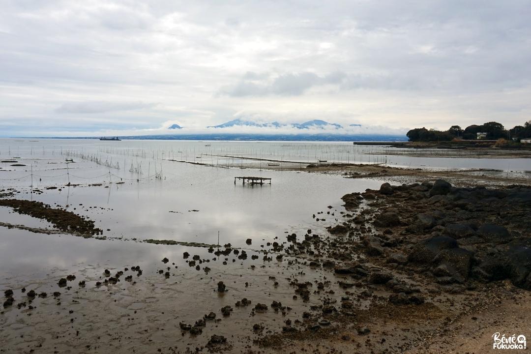 La mer Ariake et le mont Unzen en arrière plan