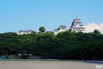 Plage en bas du château de Karatsu