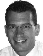 Andreas Linderer, Insegnante e coordinatore del liceo in una scuola privata internazionale