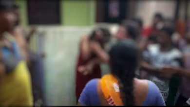 Photo of মা-কে খুন করার অভিযোগ দুই মেয়ের বিরুদ্ধে, গণপিটুনি চাঞ্চল্য রায়গঞ্জে