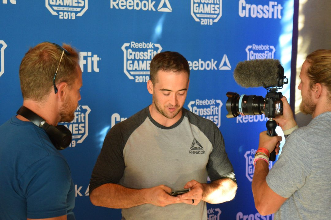 Ben Smith chats with the Buttery Bros at the pre-CrossFit Games athlete dinner
