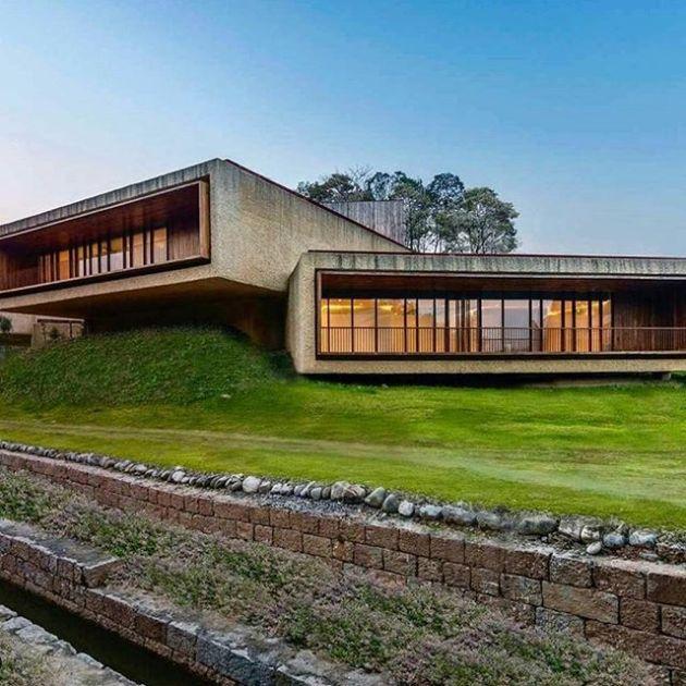 Luxury and Modern Buildings 77