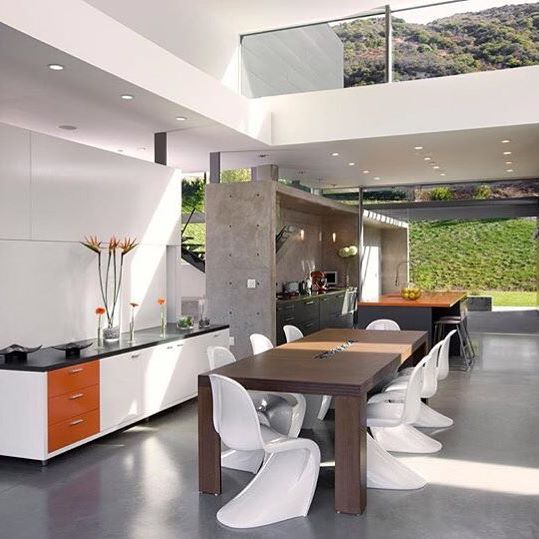 Luxury and Modern Buildings 131