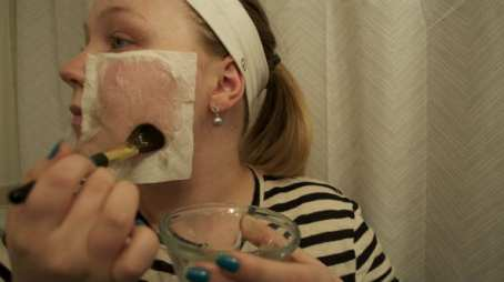 How to apply Egg white and tissue paper for white/black head removal/bio with thysiamore
