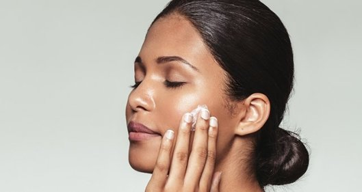 moisturize skin before makeup/bio with thysiamore
