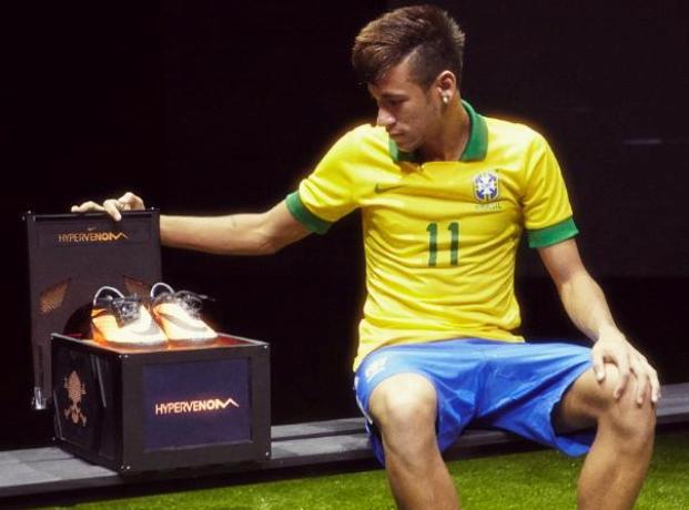Les nouveaux crampons de Neymar :la Nike Hypervenom Bénin
