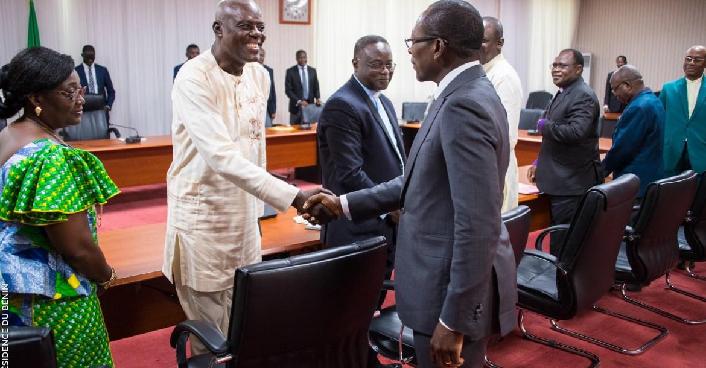 Accolade entre le président Patrice TALON et les membres de l'Eglise Protestante Méthodiste du Bénin le 14 février 2018 / Photo : PRÉSIDENCE DU BÉNIN