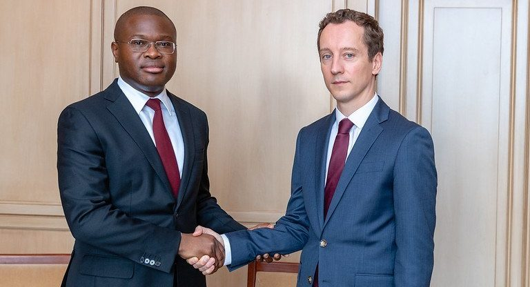 Luc EYRAUD, Chef de la Mission de la revue du FMI, avec le ministre de l'Economie et des Finances, Romuald Wadagni,