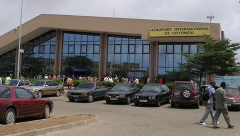 De A à Z, comprendre le scandale de la réfection de la piste de l'aéroport de Cadjehoun