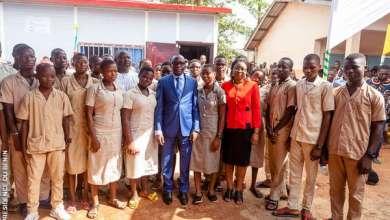 Photo of Numérique et Enseignement : Les ministres Aurelie Adam Soulé ZOUMAROU et Mahougnon KAKPO lancent les salles numériques dans 12 collèges de l'enseignement secondaire.