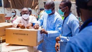 Photo of Lutte contre le COVID-19 au Bénin : Le Ministre Benjamin HOUNKPATIN réceptionne un don de matériels de la Fondation Jack Ma
