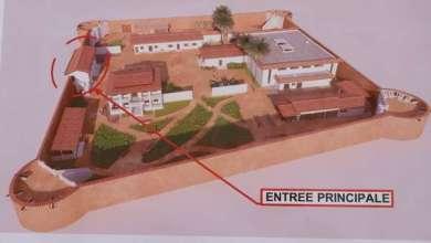Photo of Visite du ministre Jean-Michel ABIMBOLA sur les chantiers du Complexe hôtelier et du Fort Portugais à Ouidah pour rappeler les impératifs aux entrepreneurs