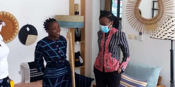 promotion-des-produits-made-in-benin-:-la-ministre-assouman-visite-la-galerie-«kouleurs-d'afrik»