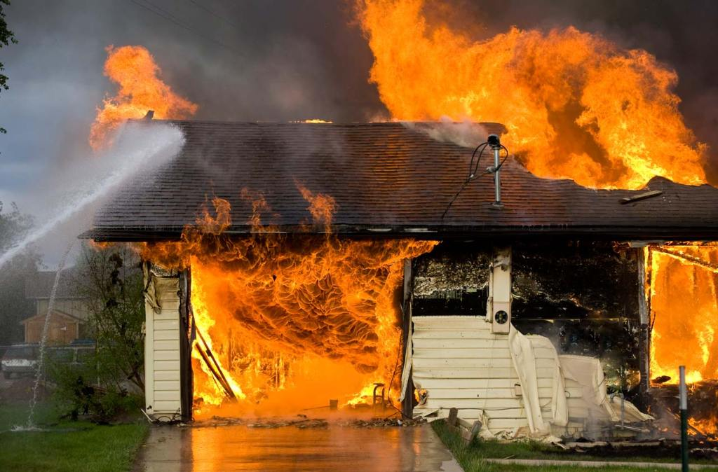 Homeowners Insurance: Extended vs. Guaranteed Coverage