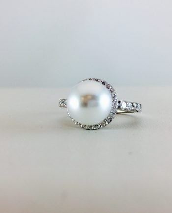 Stay classy with a mix of pearls and diamonds
