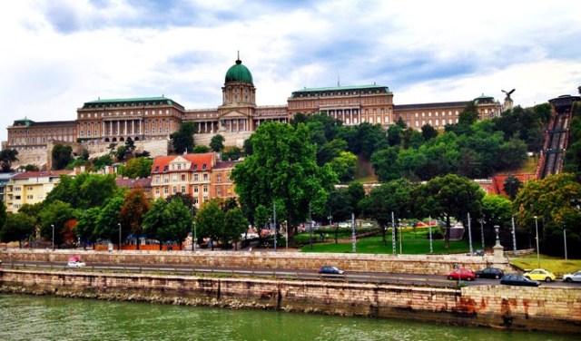 kraliyet-sarayi-budapeste
