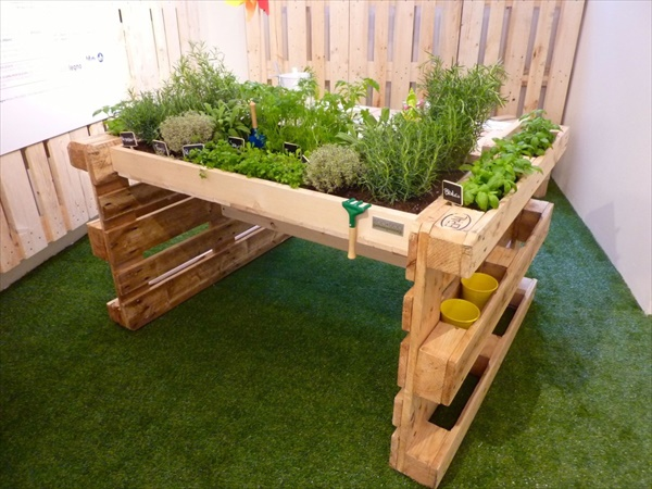 pallet-kitchen-garden