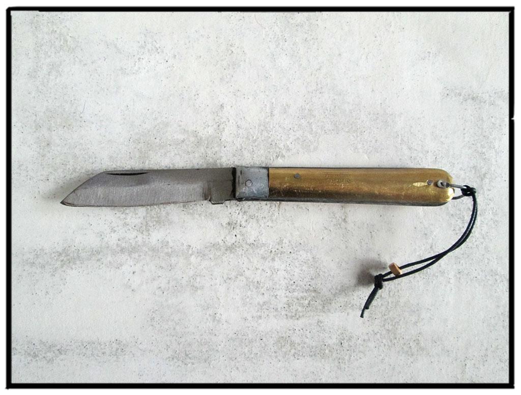 pocket knife 53