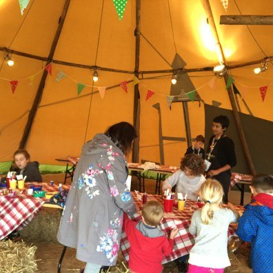 Face painting in Tipi at Children's party