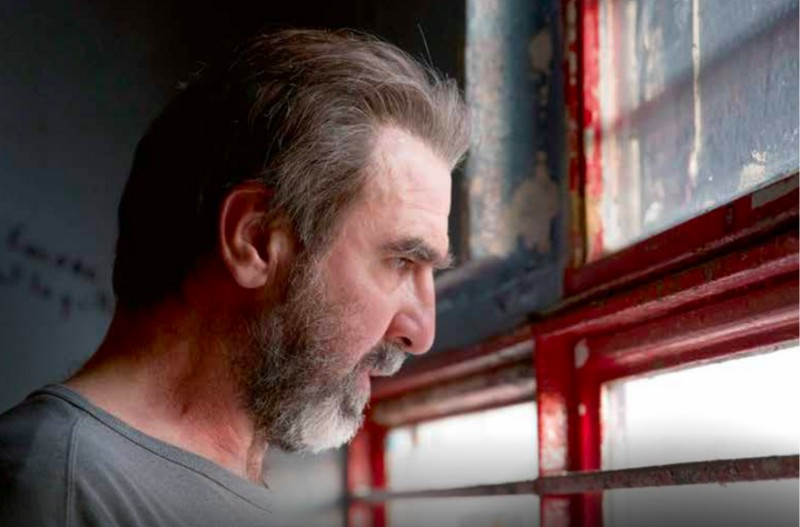 2020   13+   1 säsong   dramaserier om samhällsfrågor. Arte Netflix Derapages Cantona Met Un Gros Tacle Au Liberalisme Benzine Magazine