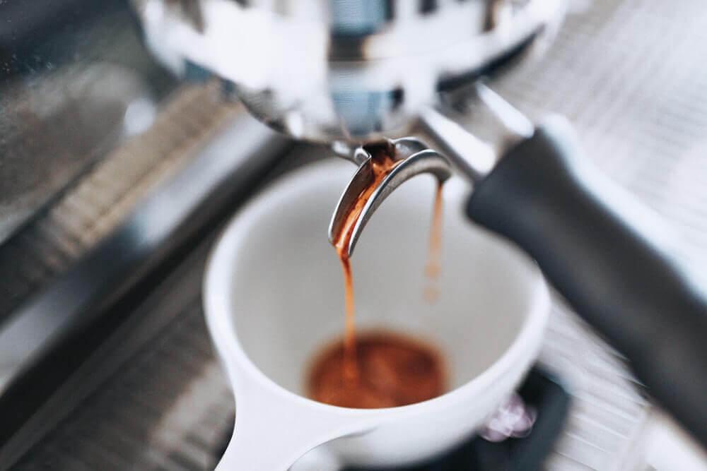 auto espresso tamper brewing coffee