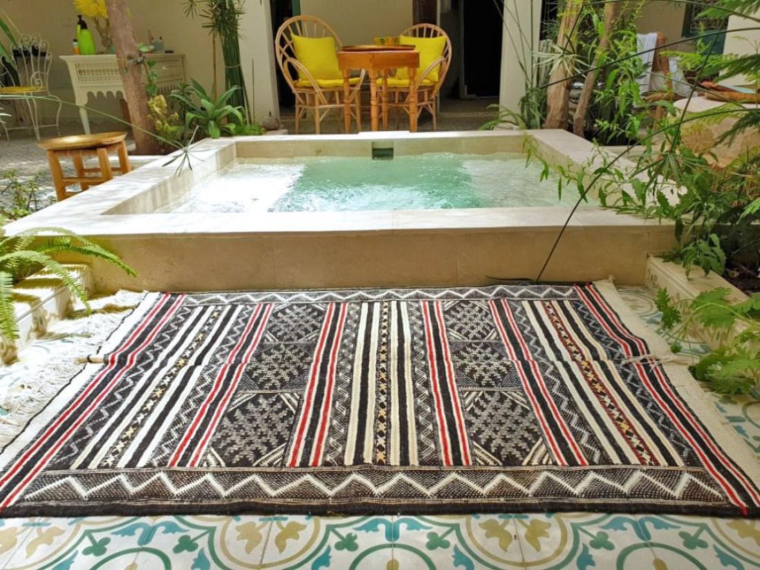 Catchy kilim Berber Moroccan rug - vintage Moroccan Rug