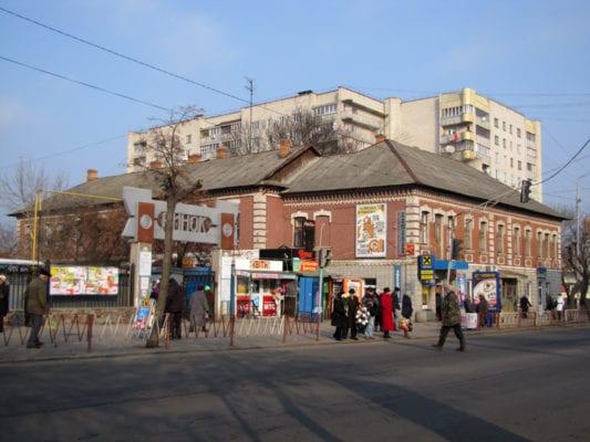 Виконком міста Бердичева визначився з тим, скільки платити за розміщення лотків з морозивом і літніх майданчиків