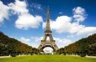 Глава МВД Франции подал в отставку из-за скандала о трудоустройстве его дочерей