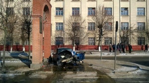 Шокирующая авария в центре Бердичева: БМВ – в дребезги. ФОТО