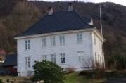 Landås lystgård, i dag prestebolig for Landås menighet. Huset ble fredet i 1927. Fotograf Ine Merete Baadsvik, 2014, i privat eie.