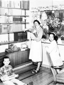Husmorvikar i arbeid. Eier: Arbeiderbevegelsens arkiv og bibliotek